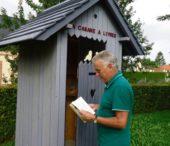 une cabane à livres au Jardin d'Émilien